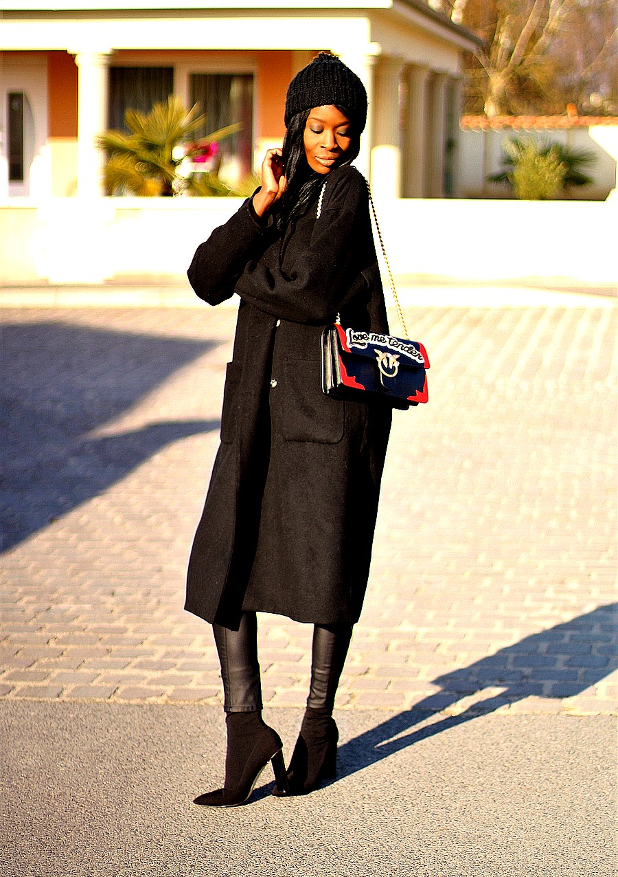 blog-mode-idee-looks-hiver-manteau-long-sac-pinko-love-sock-boots-public-desire-bonnet-pompon