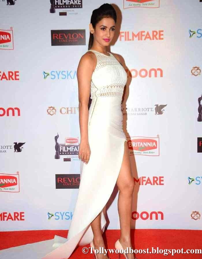 Sonal Chauhan Photos At Film fare Awards In Hot White Dress
