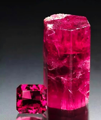 Bixbite (Red beryl) - The Different Beryl Varieties with Photos