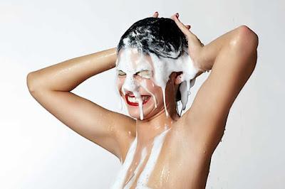 Cicho sza! - czyli co piszczy w szamponie
