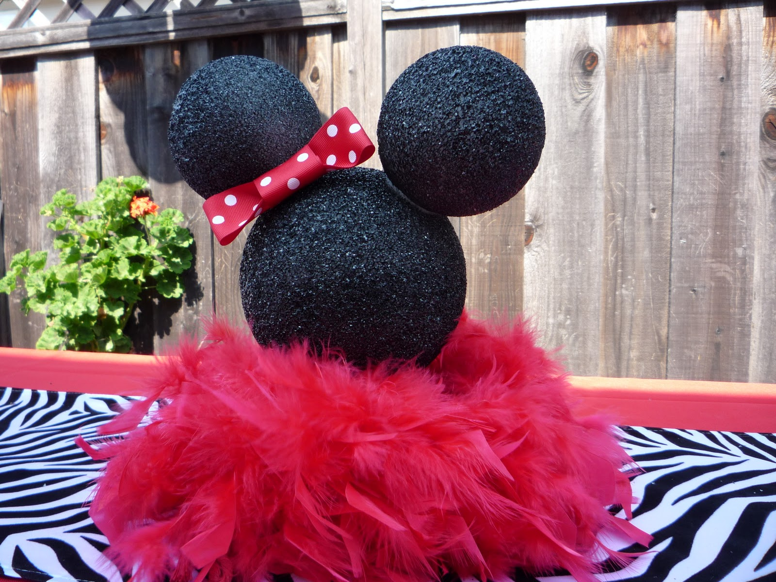Honeycomb Events Amp Design The House Of Minnie Mouse
