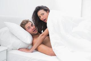 7 Penyebab Nyeri Saat Bercinta dan Solusinya, 5 Penyebab Rasa Sakit Saat Berhubungan Seks, Menikmati Hubungan Seksual Tanpa Rasa Sakit