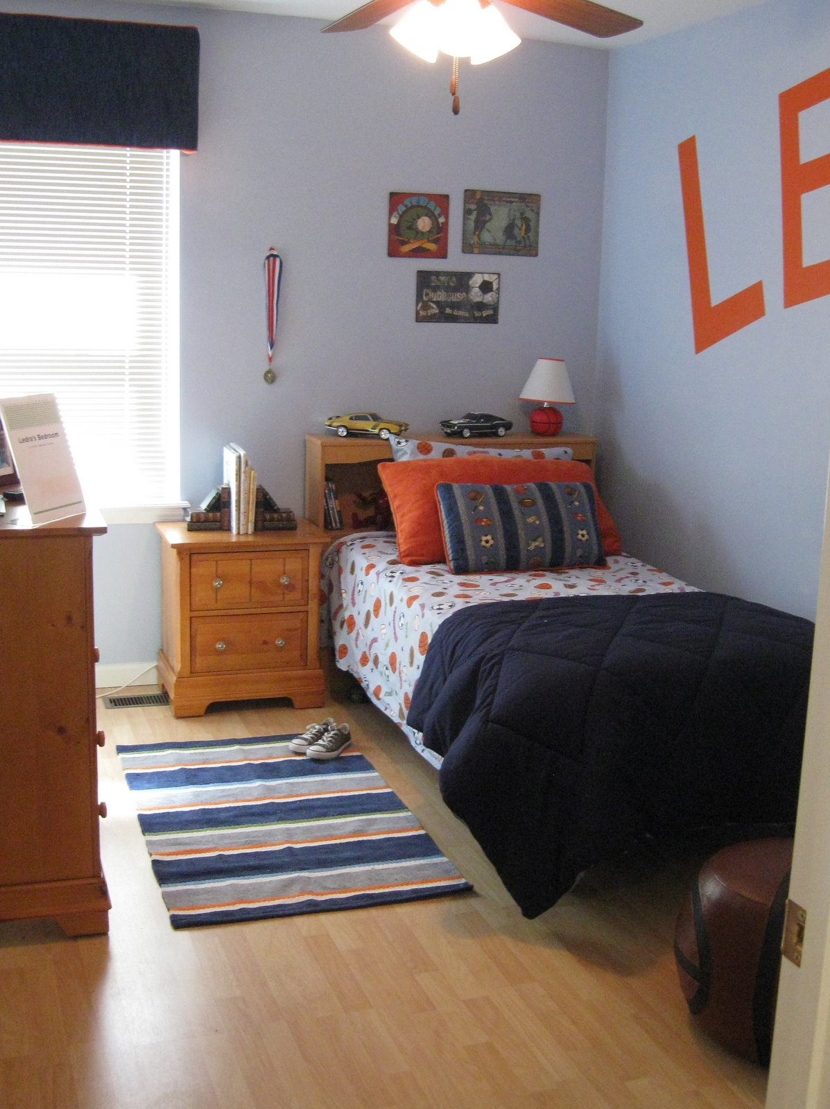 How To Decorate A Small Boys Bedroom  Interior Designs Room