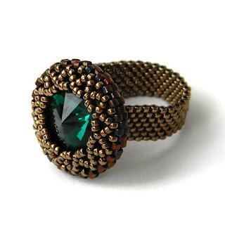 купить кольцо с кристаллом из бисера украшения ручной работы