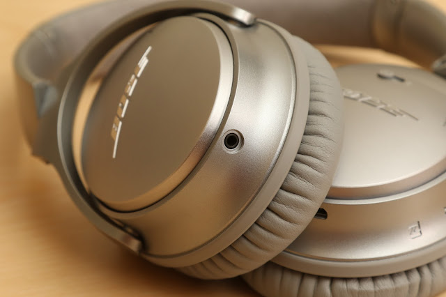 QC35 的 2.5 mm 音源孔