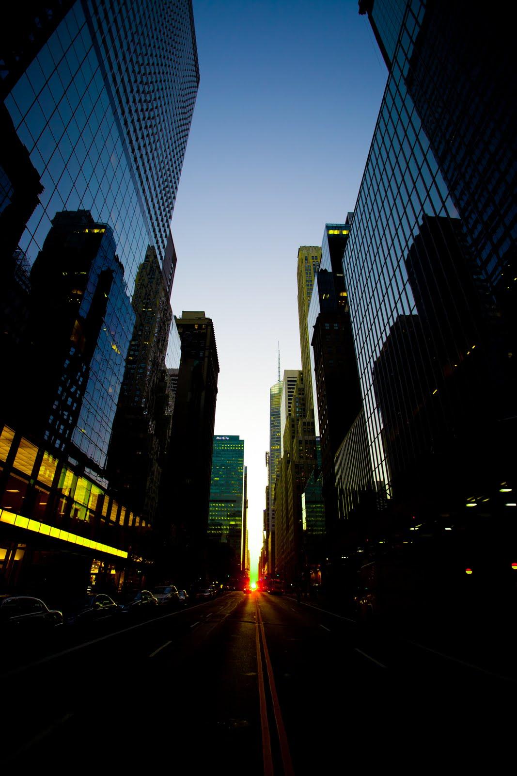 2011 Manhattan New York Trip: Aemiessence Fine Arts: Manhattan Henge: July 12th, 2011