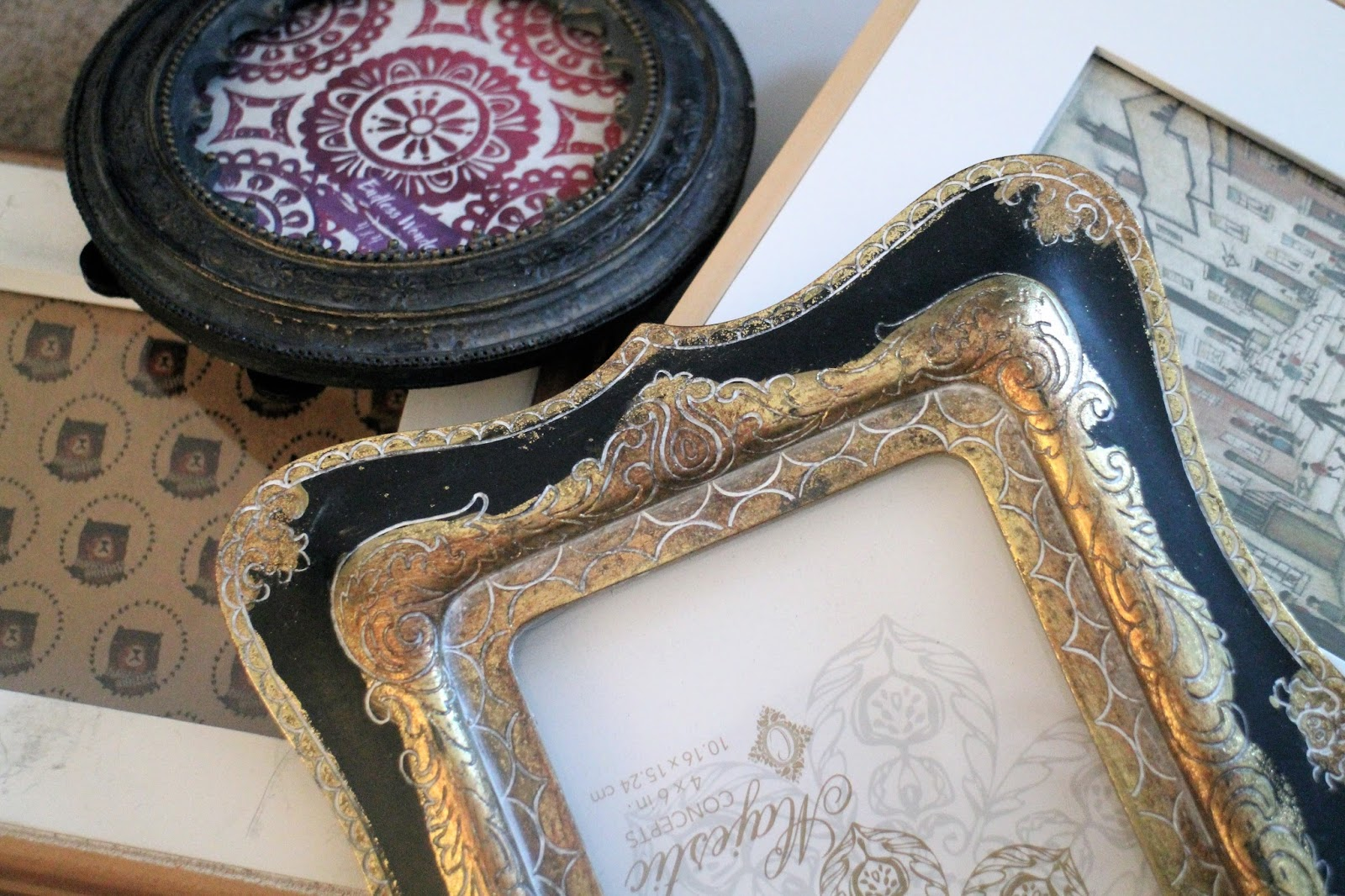 Various eclectic photo frames for a gallery wall