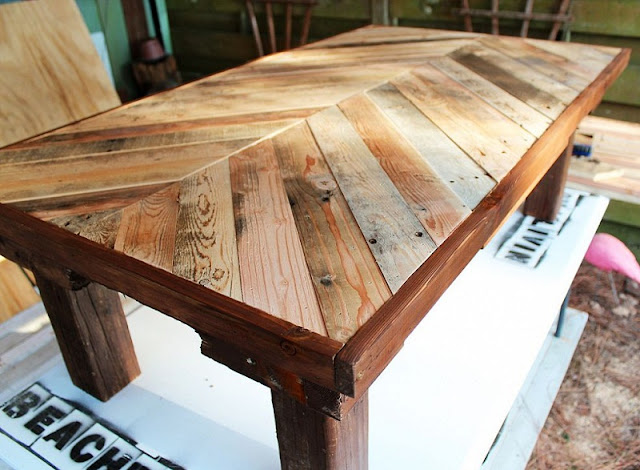 35%2BGenius%2BDIY%2BWood%2BPallet%2BFurniture%2BDesigns%2B%252833%2529 35 Genius DIY Easy Wood Pallet Furniture Designs Ideas Interior