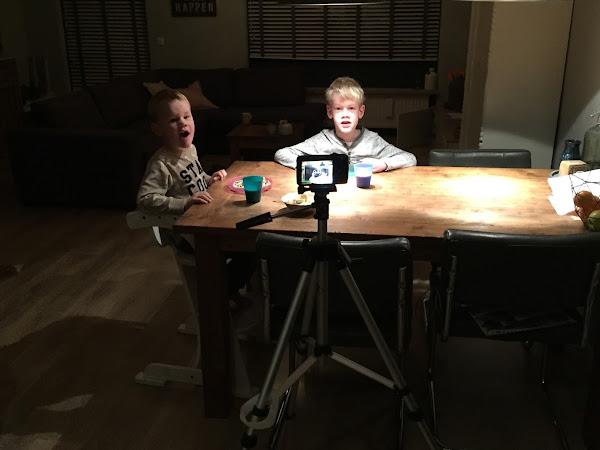 Weekoverzicht week 47: Papa weg, Vloggen, Eten bij opa's en oma's en LEGO.