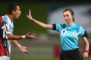arbitros-futbol-Katie-Patterson