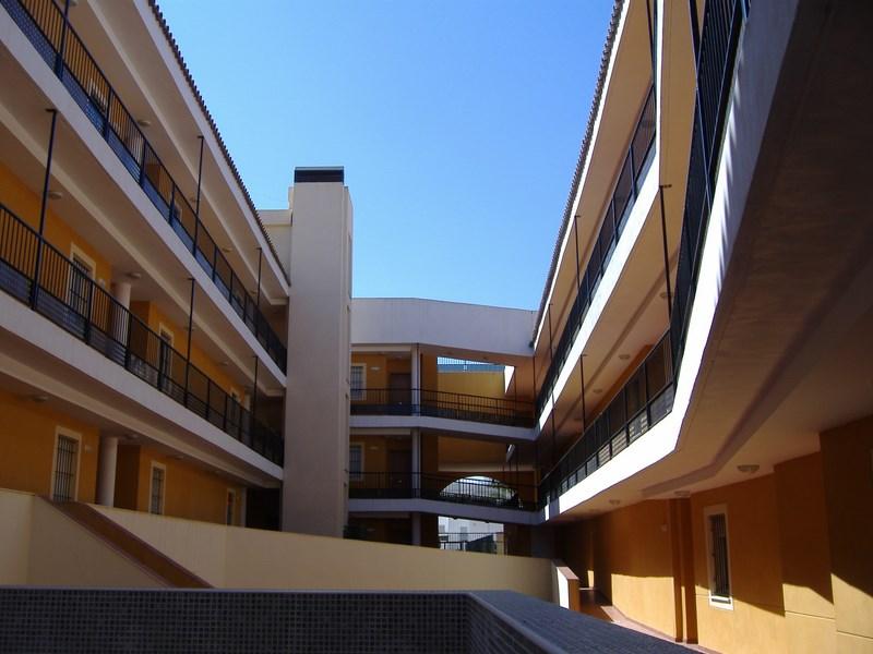 Estudio Honorio Aguilar - Edificio Jardín del Río, Alcalá del Río (Sevilla)