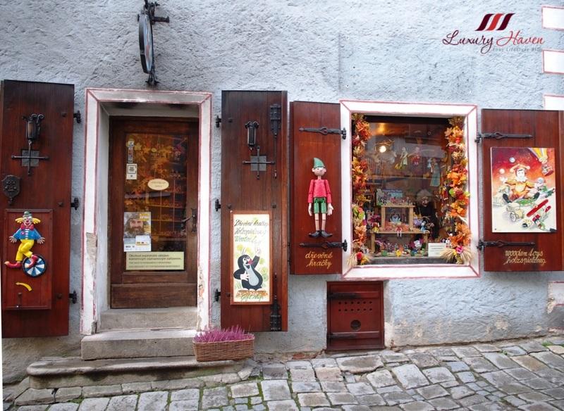 czech republic cesky krumlov old town souvenir shops