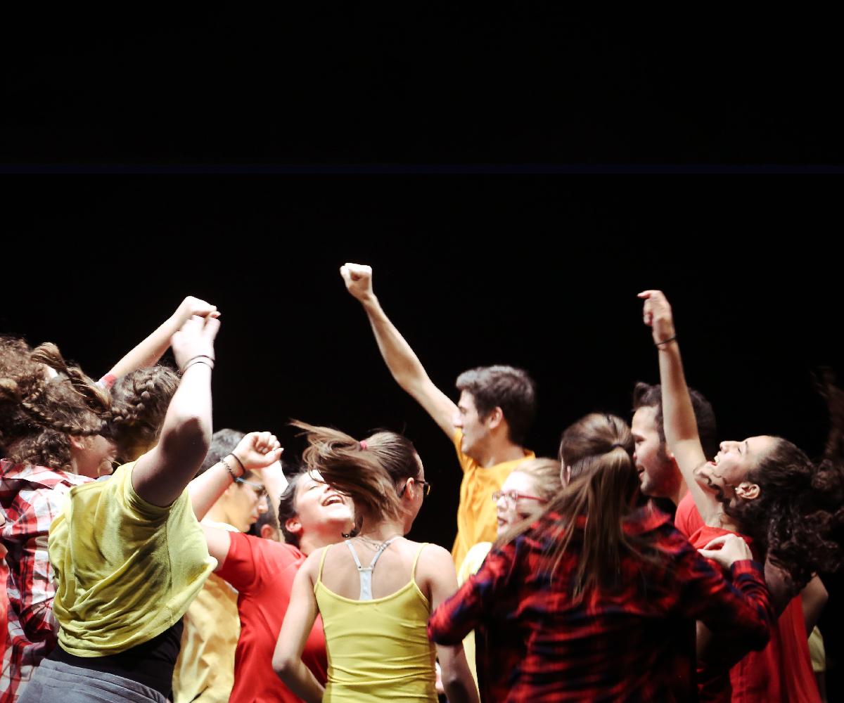 Η παράσταση «Τρίπλες και Τριπλέτες» στη Λάρισα
