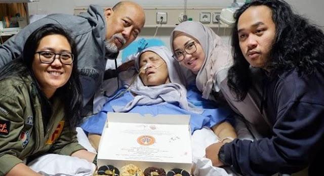 Sebelum Meninggal, Istri Indro Minta Berhijab
