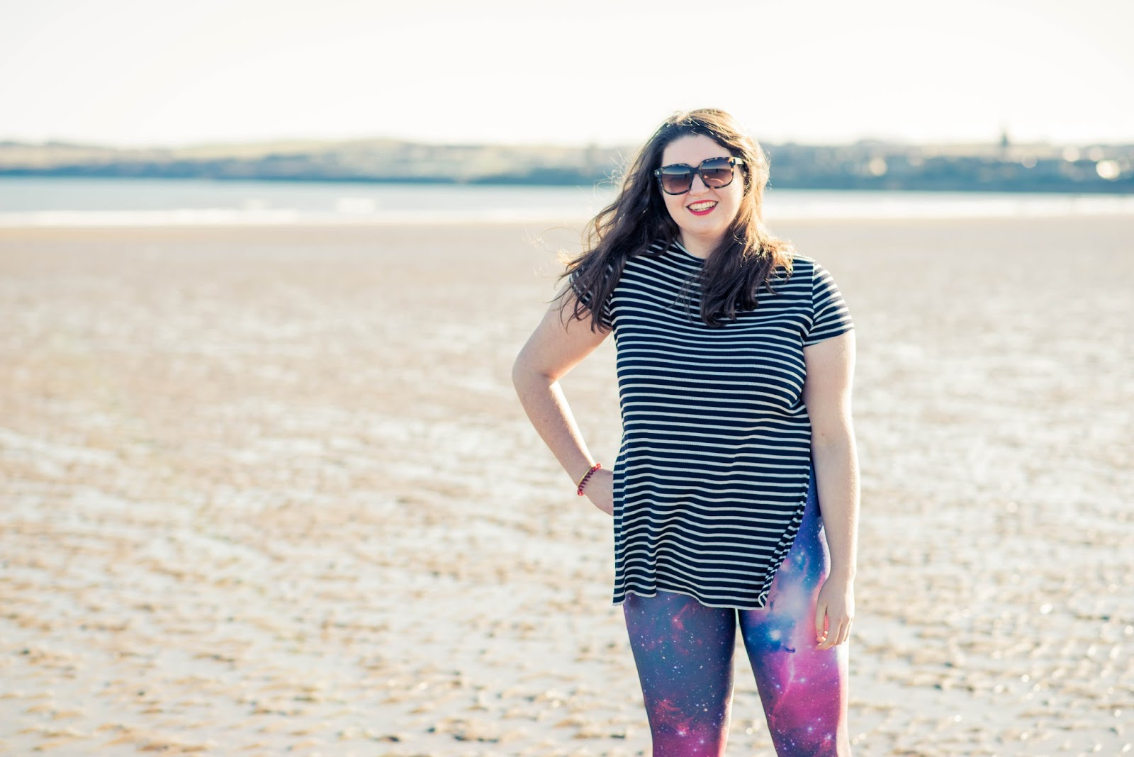 beach ootd black milk clothing purple galaxy leggings lookbook outfit st andrews scotland liquid grain liquidgrain