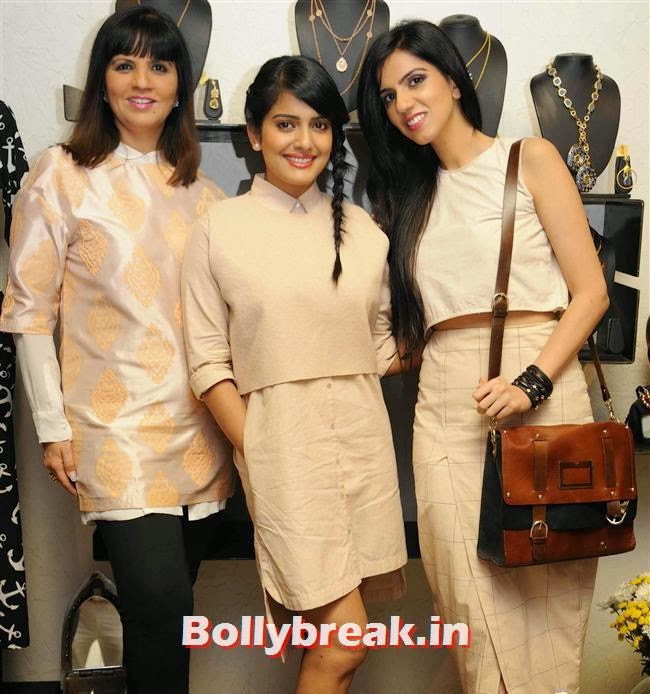 Neeta Lulla, Vishakha Singh and Nishka Lulla, Vishakha Singh at Aparna and Azmina Host Summer Preview