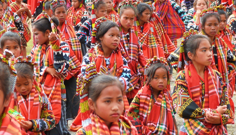 Young Tboli dancers