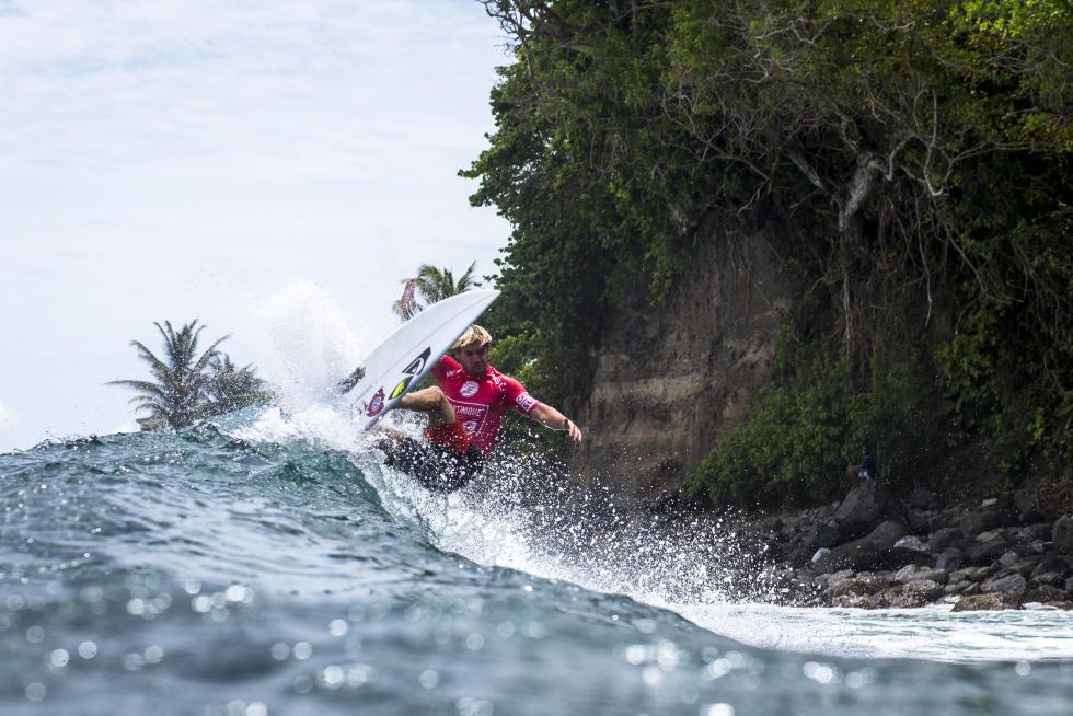 11 Santiago Muniz ARG Martinique Surf Pro foto WSL Poullenot Aquashot