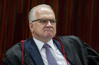 http://vnoticia.com.br/noticia/3737-fachin-rejeita-pedidos-de-liberdade-de-deputados-estaduais-do-rio