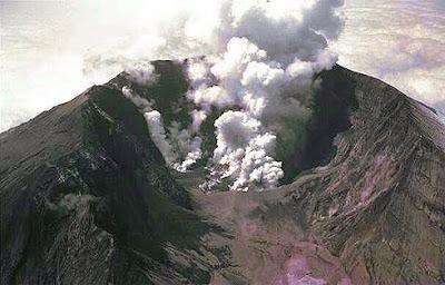 Monte Tambora en la Isla de Sumbaya