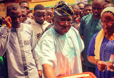 Did Adelabu Truly Exchanged Blows With Gov. Ajimobi PA