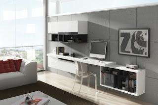Sala de estar con escritorio