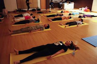 vivianayoga yoga para ataque de pÁnico y ansiedad