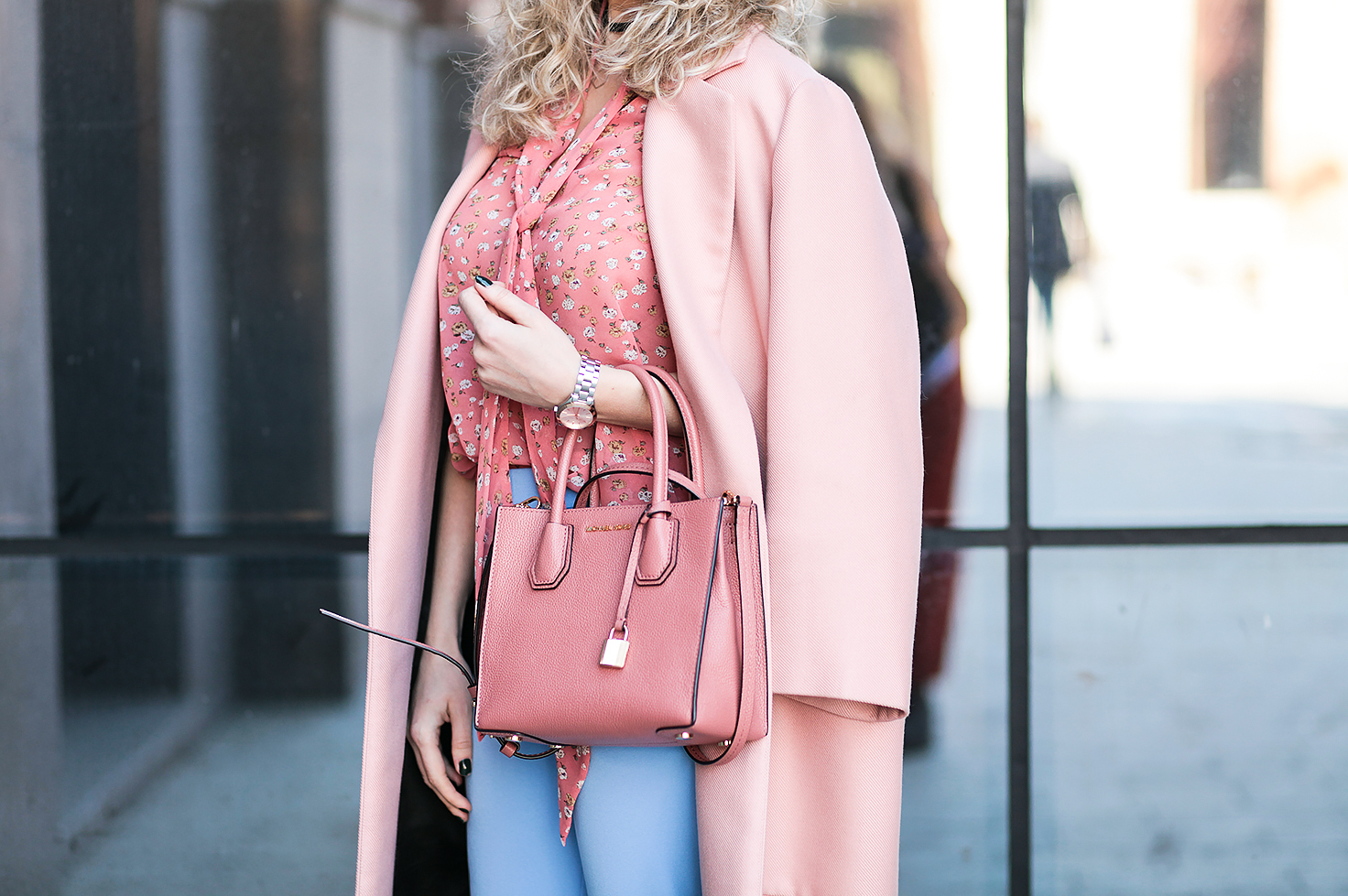 Rita_maslova_ritalifestyle_moscow_fashion_blogger_blue_pants_pink_coat_silver_shoes