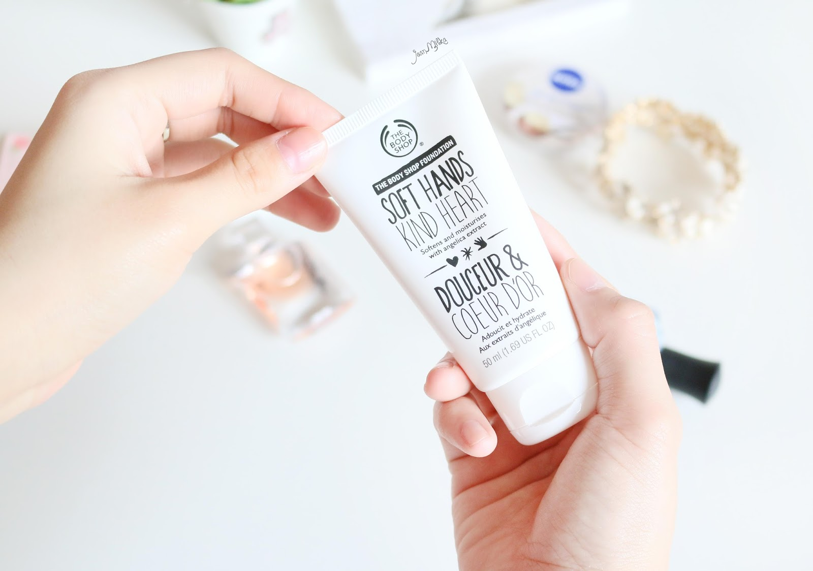 the body shop, body shop, indonesia, soft hands kind heart, omah munir, charity, hand cream, review, blog, beauty