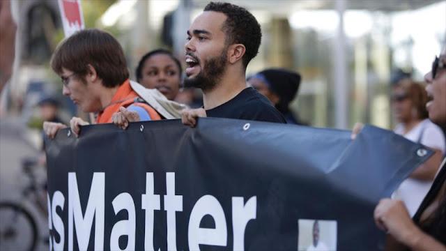 Protestas en EEUU por muerte de afroamericana a manos de policías