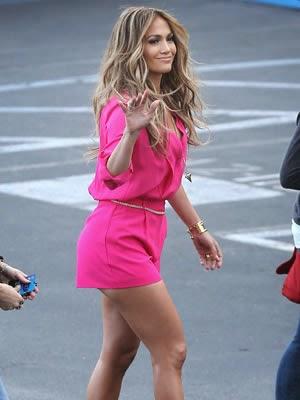 bello traje rosa de jlo