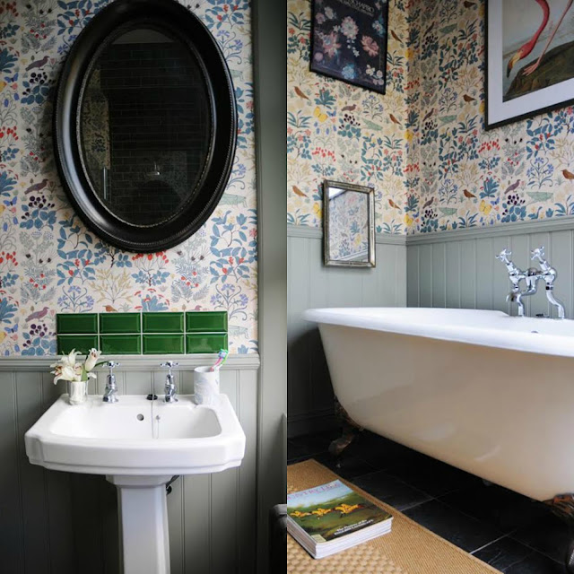 boazeria i tapeta w łazience