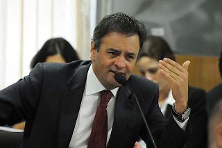 Senador Aécio Neves: PT defende seus próprios interesses