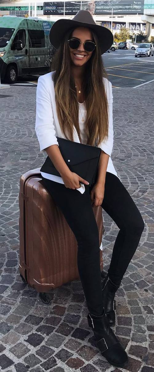 cute outfit idea / hat + white top + skinny jeasn + boots