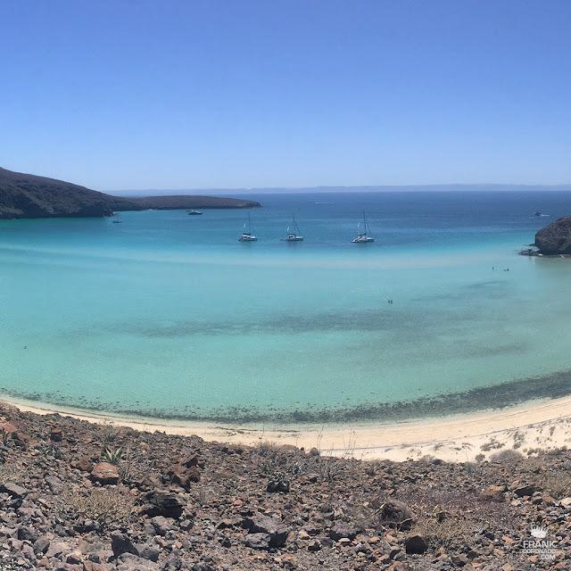 vista aerea de playa balandra en la paz