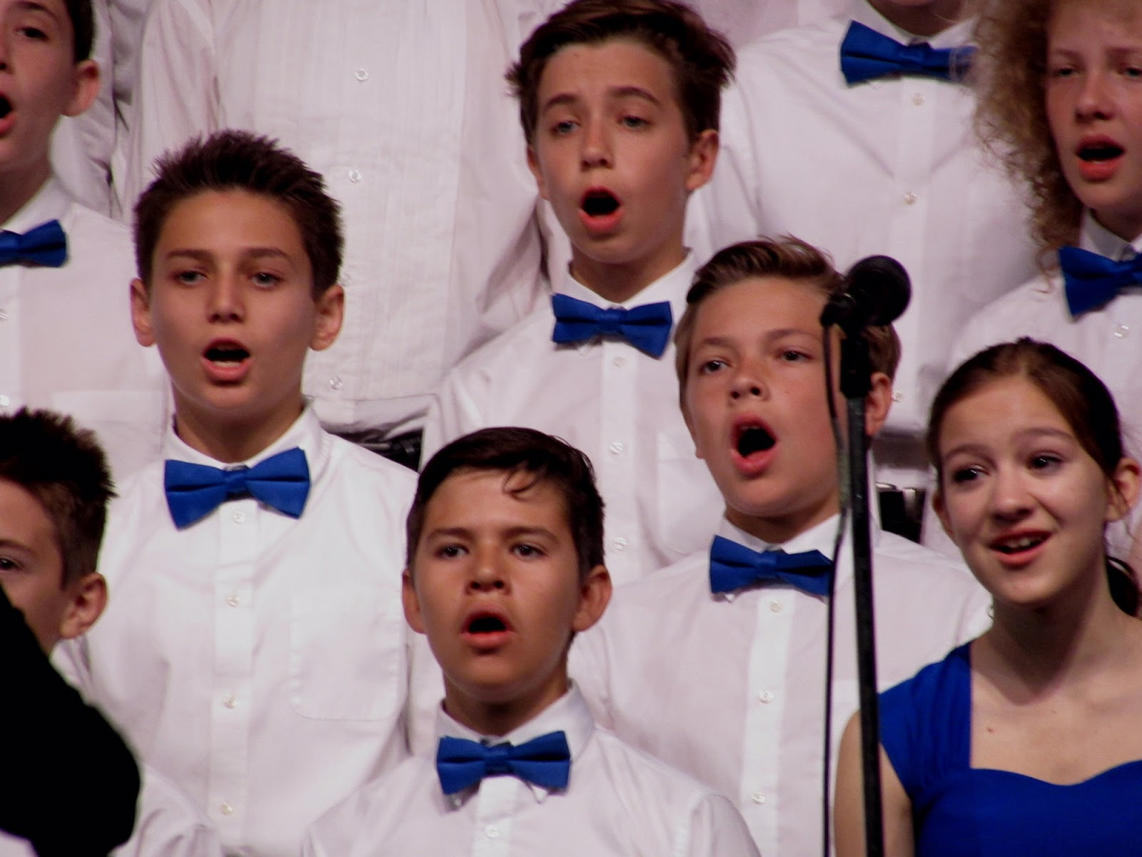 Have You Seen This Incredible Middle School Choir Teacher