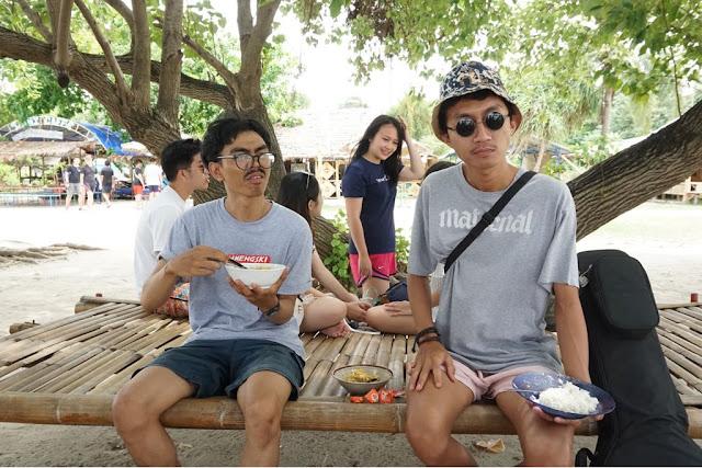 Wisata di pulau perawan