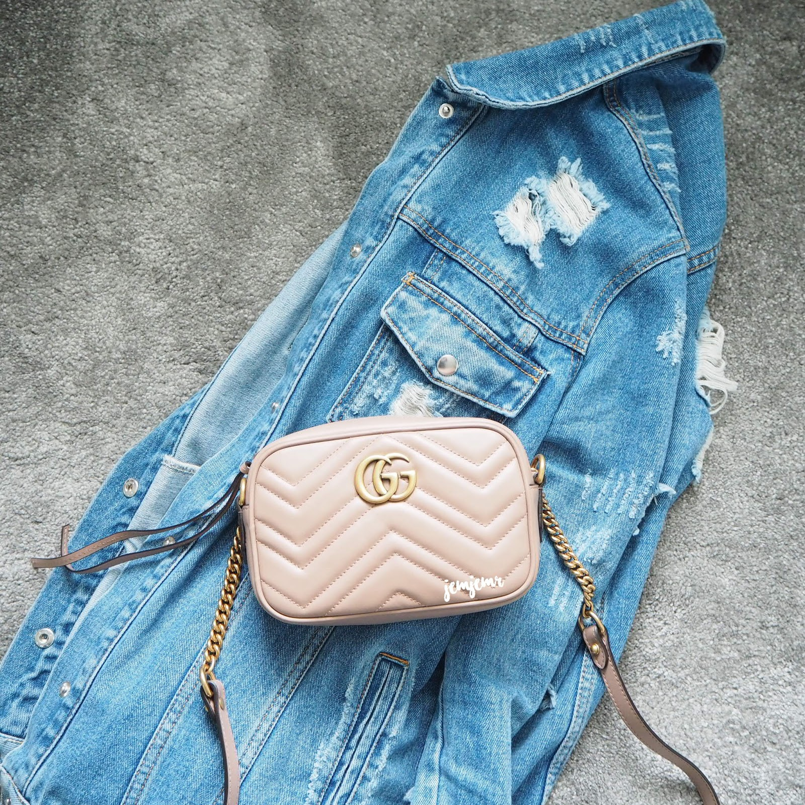 0369ce70186962 Gucci Mini Marmont Matelasse Bag. This bag is so friggin cute!! I was lucky  enough to buy this bag at Heathrow T3 before the price increase in  September ...
