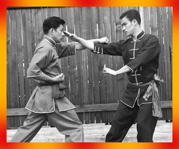 Bruce Lee and His Chi Sao Energy Technique