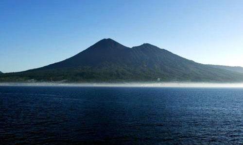 Gunung Dua Saudara Sulawesi Utara