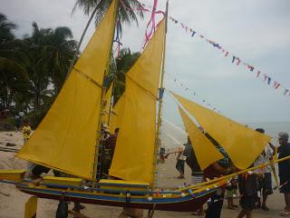 Antar Ajong Budaya Masyarakat Paloh Kalimantan Barat