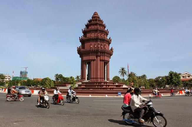 Đài độc lập: tưởng niệm những người Campuchia đã chết vì chiến tranh