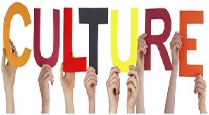 Perbedaan Budaya Timur dan Barat - artikelmanfaat.com