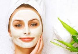 Cara memutihkan wajah dengan masker