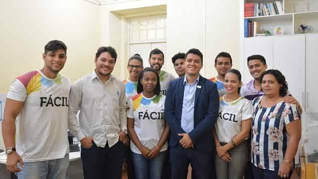 Novo coordenador da RedeSim, Ítalo Lima, e equipe