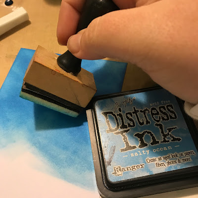 Distress_Ink_sponging_background_tim_holtz