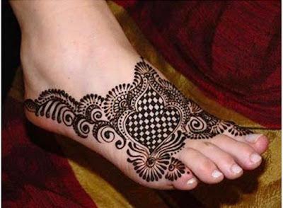 Latest-&-stunning-punjabi-mehendi-designs-2017-for-girls-13