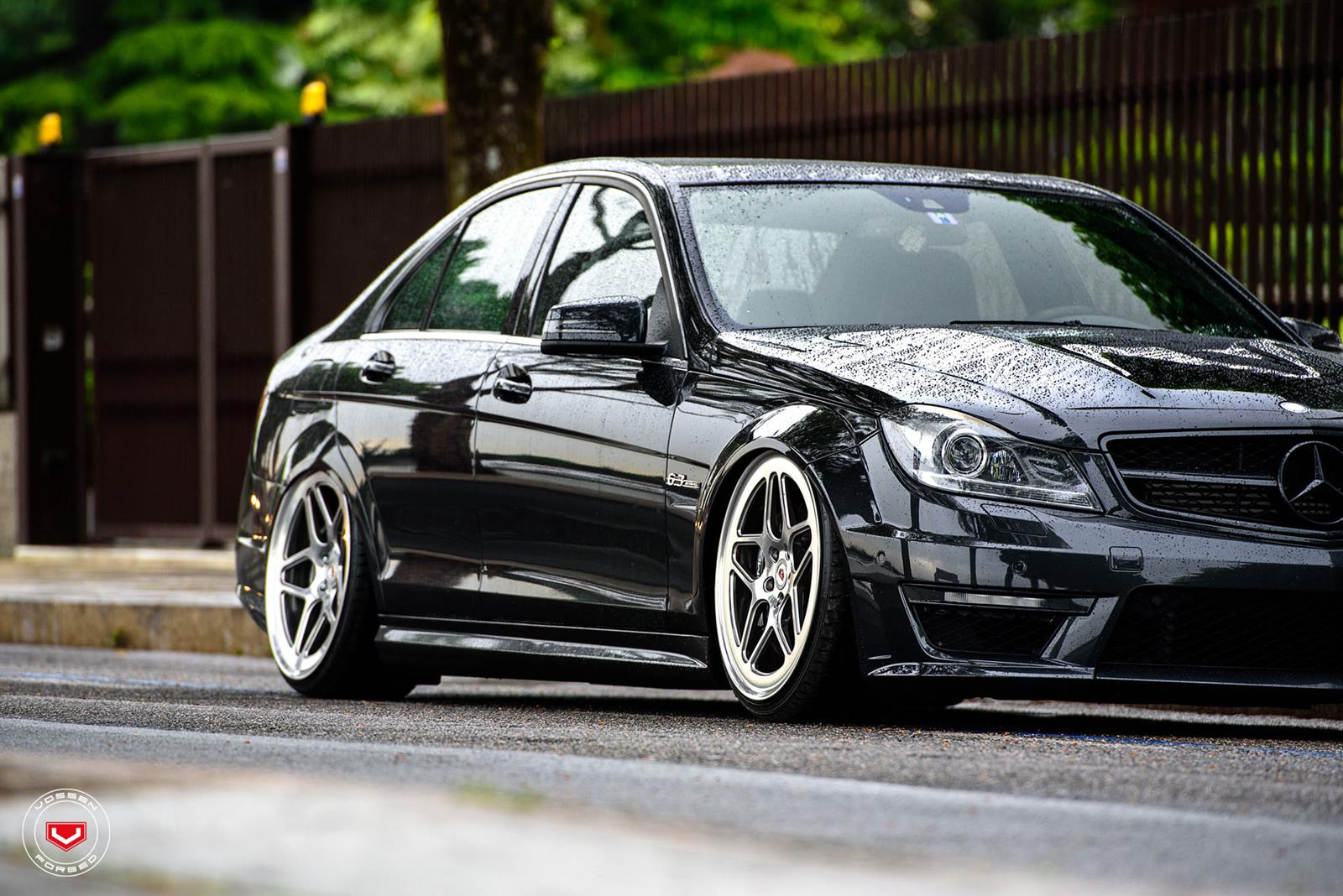 Mercedes benz w204 c63 amg on vossen lc 104 benztuning for Mercedes benz e amg