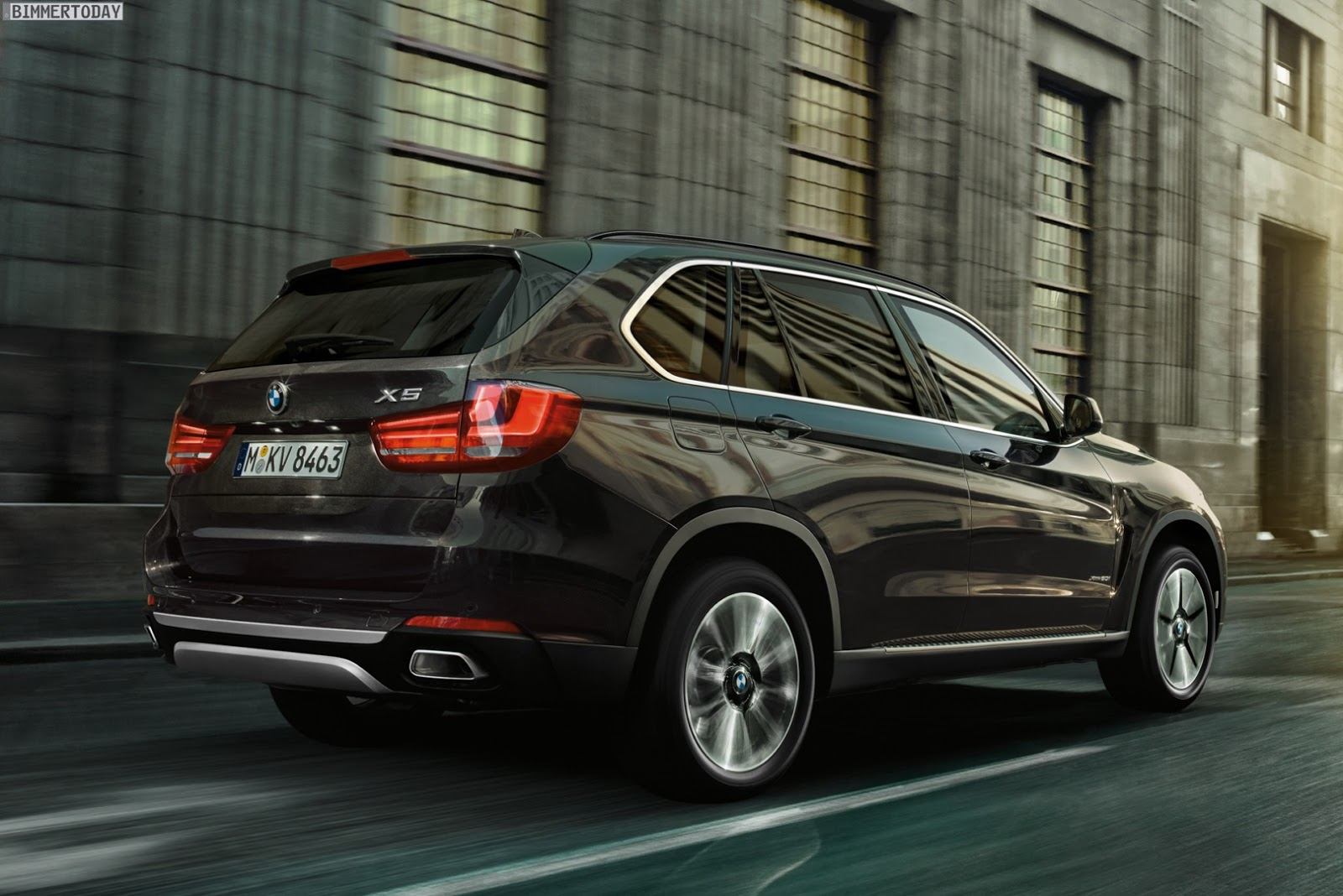 Future Cars 2020 >> BMW's New X5 F15 Security Plus is Truly Bulletproof