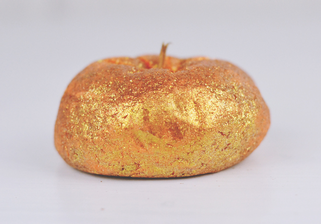 Lush Sparkly Pumpkin Bubble Bar Review